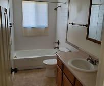 Bathroom, 1401 E 12th St