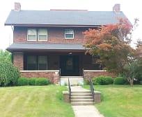 Building, 241 E Franklin St