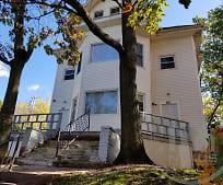 Building, 330 Pawtucket Ave
