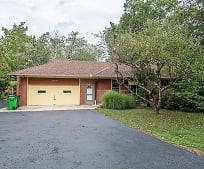 28419 Lakeshore Blvd, Willoughby, OH