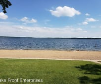 616 W Lake Dr, Detroit Lakes, MN