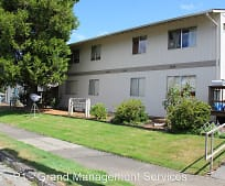 647 4th St, Port Orford, OR