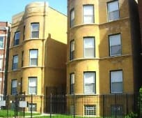 Building, 5733 S Calumet Ave