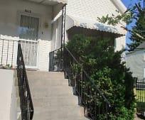 Building, 5009 S Racine Ave