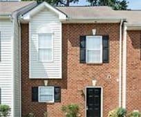 Building, 2852 Goyne Loop