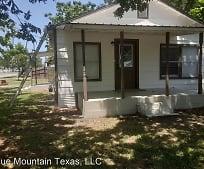 201 E Davis Ave, Alvarado, TX