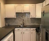 Kitchen, 31 E Springfield St