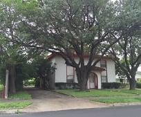 4430 Valleyfield Dr, Zuehl, TX