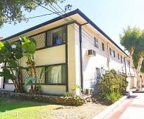 Building, 615 N Monterey St