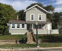 Building, 422 N Riley St