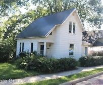 106 E Pleasant St, 43050, OH