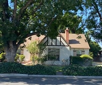 2034 Chestnut St, Selma, CA