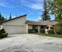 1658 Tollhouse Ln, Clovis, CA
