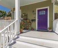 Patio / Deck, 4416 Wellington Ave