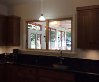 Kitchen, 603 N Boundary St