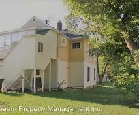 Building, 422 W Trail St