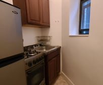 Kitchen, 624 E 11th St