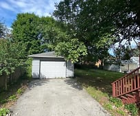 545 6th St, Struthers, OH