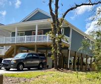 107 NE 38th St, Oak Island, NC