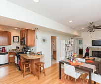 Kitchen, 1006 N Oakley Blvd
