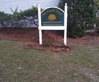 Community Signage, 920 Woodrow St