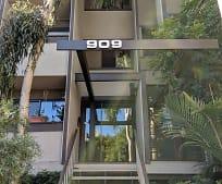 909 N Sierra Bonita Ave, Fairfax District, Los Angeles, CA