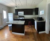 Kitchen, 44 W Bridge St