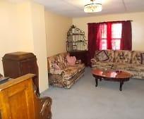 Living Room, 628 Center St