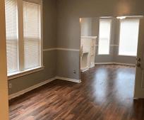 Living Room, 7605 S Sangamon St