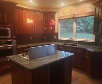 Kitchen, 813 Tremont Dr