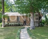 700 Oak Dr E, Trussville, AL