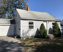121 Wellington Rd, Westbrook, ME