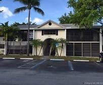 907 NE 199th St, Ives Estates, FL