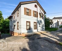 47 S Montgomery St, Wallkill, NY