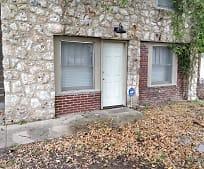 Building, 222 W Shawnee St