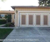 435 W Creekside Cir, Dixon, CA
