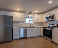 Kitchen, 102 E Hattie Ave