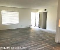 Living Room, 955 Las Lomas Dr