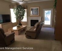 Living Room, 3114 Sceptre Dr