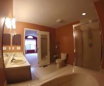 Bathroom, 112 Richmond Ct N