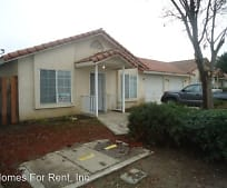 1986 W Roby Ave, Porterville, CA