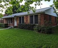 1709 E Garnett St, Gainesville, TX