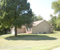 153 Troy Rd, Maryville, IL