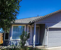 563 Countryside Dr, Central Point, OR