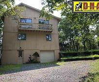 134 Clifton Dr, Stroud, PA