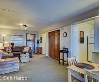1188 SE Pioneer Way, Oak Harbor, WA