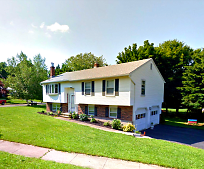 17 Costanzo Ct, Hamden, CT