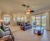 5630 Chelsey Ln, Pine Manor, FL