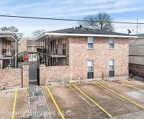 Building, 113 Carnation Ave
