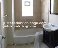 Bathroom, 4109 W Jackson Blvd